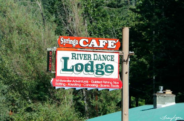 Riverdance Lodge