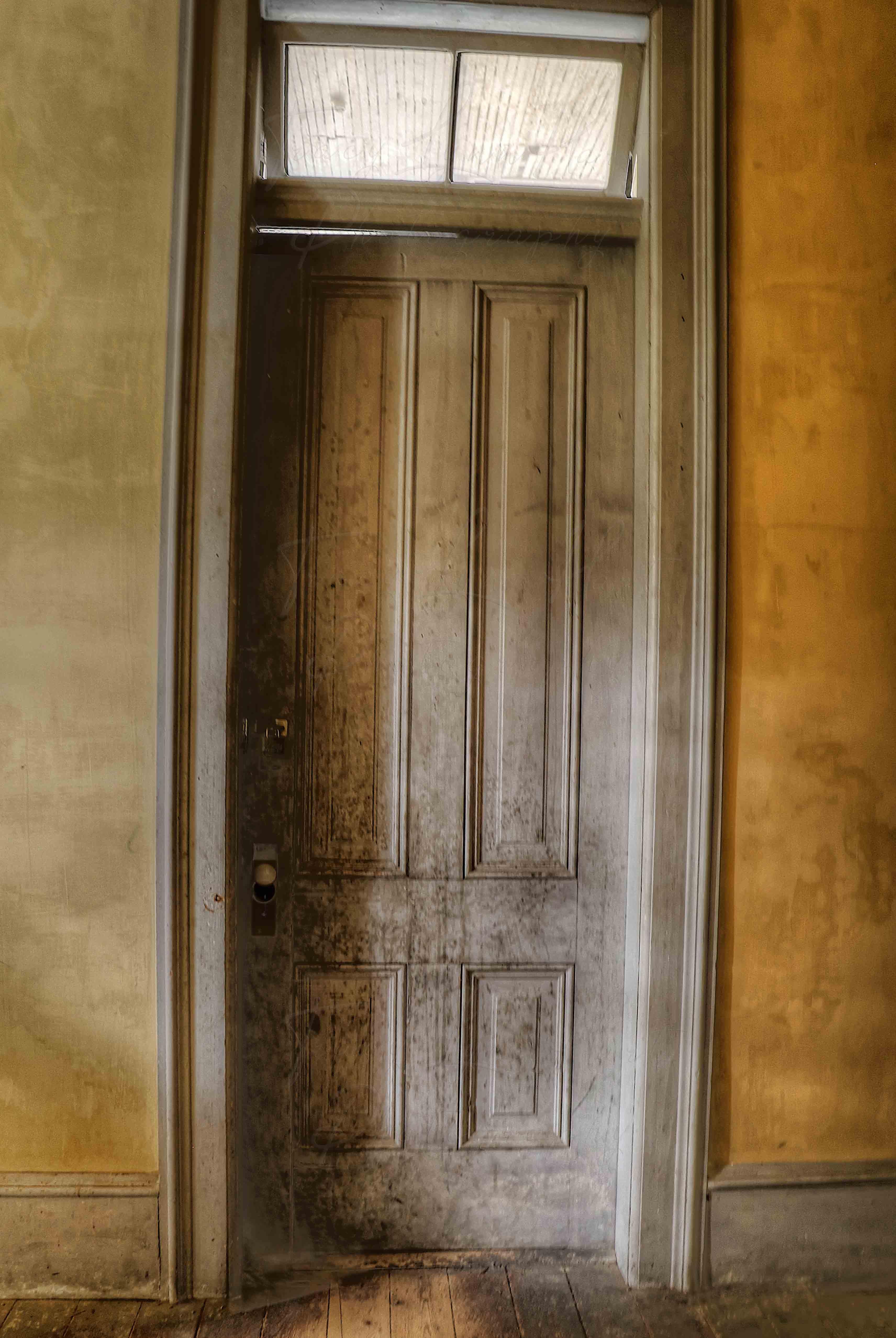 Bad door